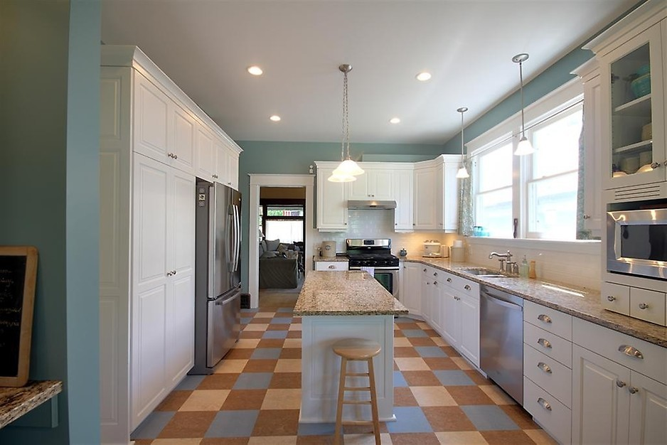 Miami-Dade Kitchen & Bath Remodeling - best countertops, bathrooms, renovations, custom cabinets, home additions- 116-We do kitchen & bath remodeling, home renovations, custom lighting, custom cabinet installation, cabinet refacing and refinishing, outdoor kitchens, commercial kitchen, countertops, and more