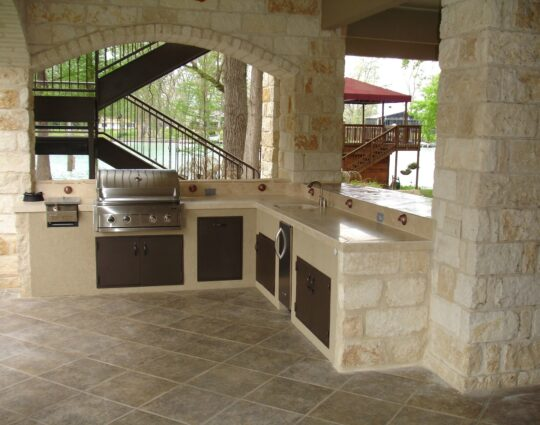 Miami-Dade Kitchen & Bath Remodeling - best countertops, bathrooms, renovations, custom cabinets, home additions- 73-We do kitchen & bath remodeling, home renovations, custom lighting, custom cabinet installation, cabinet refacing and refinishing, outdoor kitchens, commercial kitchen, countertops, and more