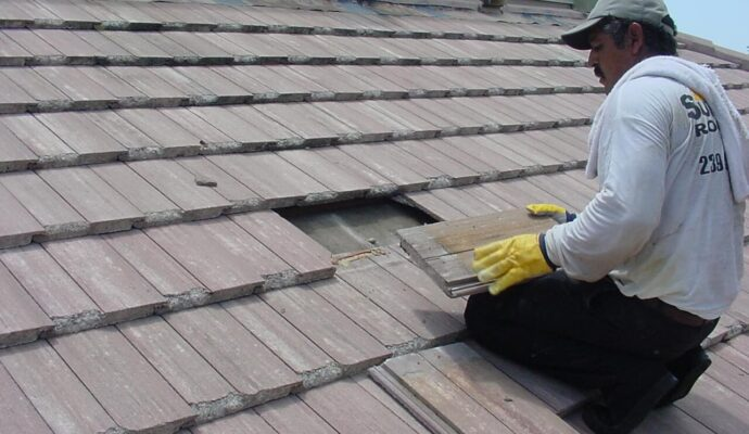 Roof Repairs-Miami-Dade Kitchen & Bath Remodeling-We do kitchen & bath remodeling, home renovations, custom lighting, custom cabinet installation, cabinet refacing and refinishing, outdoor kitchens, commercial kitchen, countertops, and more